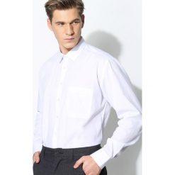 Biała Koszula Smart Casual. Czarne koszule męskie na spinki marki Born2be, l, z aplikacjami, z dresówki. Za 59,99 zł.