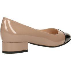 Czółenka MIHO. Brązowe buty ślubne damskie Gino Rossi, z lakierowanej skóry, na płaskiej podeszwie. Za 299,90 zł.