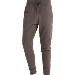 Spodnie dresowe męskie: AllSaints RAVEN PANT Spodnie treningowe olive green