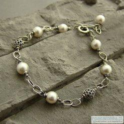 Bransoletki damskie: Perły z ażurem - bransoletka