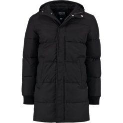 Wemoto FELLOW Płaszcz zimowy black. Czarne płaszcze na zamek męskie Wemoto, na zimę, m, z bawełny. W wyprzedaży za 467,35 zł.