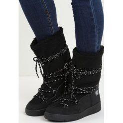 Czarne Śniegowce The Moon. Czarne buty zimowe damskie marki Cropp. Za 79,99 zł.
