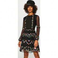 Desigual - Sukienka. Szare sukienki koronkowe marki Desigual, l, casualowe, z długim rękawem. Za 749,90 zł.
