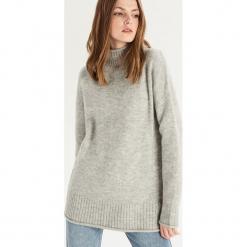 Luźny sweter z golfem - Jasny szar. Szare golfy damskie Sinsay, l. Za 79,99 zł.