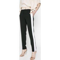 Trussardi Jeans - Spodnie. Szare boyfriendy damskie Trussardi Jeans, z podwyższonym stanem. W wyprzedaży za 699,90 zł.