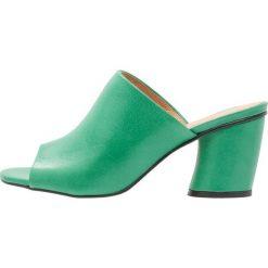 Chodaki damskie: L'INTERVALLE WANA Klapki green