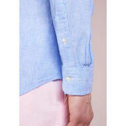 Polo Ralph Lauren Koszula blue/white. Szare koszule męskie marki Polo Ralph Lauren, l, z bawełny, button down, z długim rękawem. W wyprzedaży za 384,30 zł.