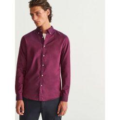 Koszula z bawełny oxford slim fit - Bordowy. Czerwone koszule męskie slim marki Cropp, l. Za 99,99 zł.