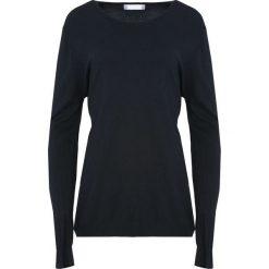 Czarny Sweter Come Into My Life. Czarne swetry klasyczne damskie Born2be, l, z dzianiny, z okrągłym kołnierzem. Za 44,99 zł.