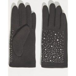 Rękawiczki z aplikacją - Czarny. Czarne rękawiczki damskie Sinsay, z aplikacjami. Za 24,99 zł.