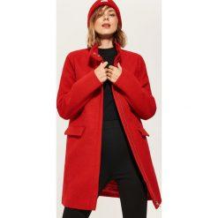 Płaszcz ze stójką - Czerwony. Czerwone płaszcze damskie marki House, l. Za 159,99 zł.