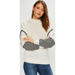 Trendyol - Sweter. Szare swetry klasyczne damskie marki Vila, l, z bawełny, z okrągłym kołnierzem. Za 99,90 zł.