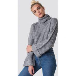 NA-KD Krótki sweter - Grey. Szare golfy damskie marki NA-KD, z bawełny, z podwyższonym stanem. Za 113,00 zł.