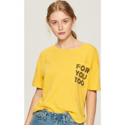 Bawełniany t-shirt z kieszenią - Żółty. Żółte t-shirty damskie marki Mohito, l, z dzianiny. Za 24,99 zł.
