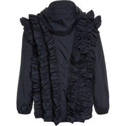 Gosoaky WASP Kurtka przeciwdeszczowa mood indigo. Niebieskie kurtki chłopięce przeciwdeszczowe marki Gosoaky, z materiału. W wyprzedaży za 384,30 zł.