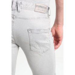 Jeansy męskie regular: Springfield Jeansy Slim Fit 40_greys
