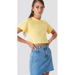 NA-KD Krótki t-shirt - Yellow. Niebieskie t-shirty damskie marki NA-KD, z satyny. Za 52,95 zł.