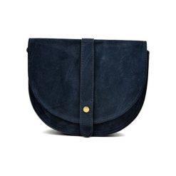 Torebka w kolorze granatowym - (S)22 x (W)18,5 x (G)6 cm. Niebieskie torebki klasyczne damskie Bestsellers bags, w paski, z materiału. W wyprzedaży za 199,95 zł.