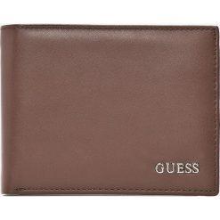Guess Jeans - Pasek skórzany + portfel skórzany. Szare paski męskie Guess Jeans, z aplikacjami, z jeansu. W wyprzedaży za 379,90 zł.