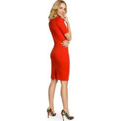 KAMILA Klasyczna ołówkowa sukienka z dzianiny - czerwona. Czerwone sukienki balowe Moe, z dzianiny, z klasycznym kołnierzykiem, ołówkowe. Za 119,00 zł.