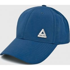 Reebok - Czapka. Niebieskie czapki z daszkiem męskie Reebok, z materiału. W wyprzedaży za 49,90 zł.