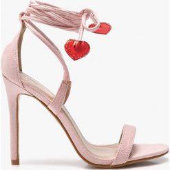 Public Desire - Sandały Venus. Czerwone sandały damskie marki Born2be, na wysokim obcasie, na szpilce. W wyprzedaży za 119,90 zł.