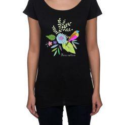 Koszulka damska. kwiaty i ptaki. Niebieskie bluzki nietoperze marki Pakamera, z bawełny. Za 85,00 zł.