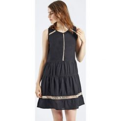 Sukienki hiszpanki: Sukienka bez rękawów Vestido Cillian