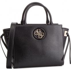 Torebka GUESS - HWVG71 86060 BLA. Czarne torebki klasyczne damskie Guess, z aplikacjami, ze skóry ekologicznej. Za 649,00 zł.