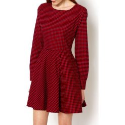Sukienki: Rozkloszowana sukienką w kratkę