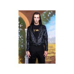 Krótka bluza z kapturem z tkaniny imitującej sprasowane pióra. Czarne bluzy męskie rozpinane MALE-ME, s, z gumy, z krótkim rękawem, krótkie, z kapturem. Za 449,00 zł.