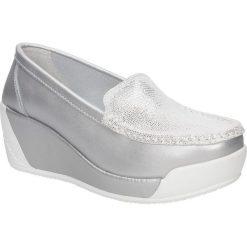 Półbuty skórzane na koturnie Lanqier 40C1687. Szare buty ślubne damskie marki Lanqier, na koturnie. Za 99,99 zł.