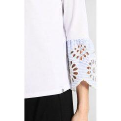 Bluzki asymetryczne: Rich & Royal LONGSLEEVE WITH FRILL SLEEVES Bluzka z długim rękawem white