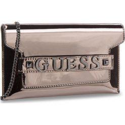 Torebka GUESS - HWMM69 97730  PEW. Niebieskie torebki klasyczne damskie marki Guess, z materiału. W wyprzedaży za 359,00 zł.