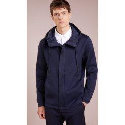 BOSS CASUAL WANCASTER Bluza rozpinana dark blue. Niebieskie bejsbolówki męskie BOSS Casual, l, z bawełny. Za 959,00 zł.