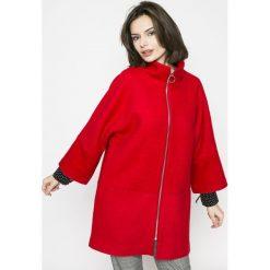 Medicine - Płaszcz Comfort Zone. Czerwone płaszcze damskie pastelowe MEDICINE, l, z materiału. W wyprzedaży za 143,90 zł.