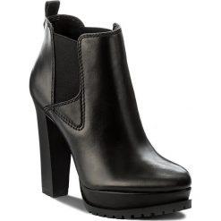 Botki GUESS - Rita FLRIT3 LEA10 BLACK. Czarne botki damskie skórzane marki Guess. W wyprzedaży za 419,00 zł.