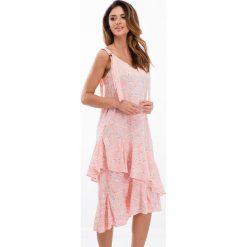 Sukienki: Różowa sukienka z falbanami 21564