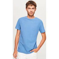 Gładki t-shirt - Niebieski. Niebieskie t-shirty męskie marki Reserved. Za 49,99 zł.