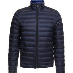 Calvin Klein LIGHT LINER Kurtka puchowa blue. Pomarańczowe kurtki męskie puchowe marki Calvin Klein, l, z bawełny, z okrągłym kołnierzem. Za 899,00 zł.