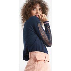 Bluza z koronką. Niebieskie bluzy rozpinane damskie Orsay, xs, w koronkowe wzory, z bawełny, z długim rękawem, długie. Za 89,99 zł.