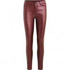 """Spodnie """"Viglitti"""" w kolorze bordowym. Czerwone rurki damskie Vila, w paski. W wyprzedaży za 130,95 zł."""