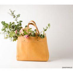 Torba nr 1 jasna. Szare torebki klasyczne damskie Pakamera, ze skóry, duże. Za 730,00 zł.