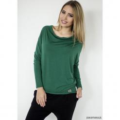 BLUZKA WAVE - butelkowa zieleń. Zielone bluzki asymetryczne Pakamera, z dekoltem w serek. Za 159,00 zł.