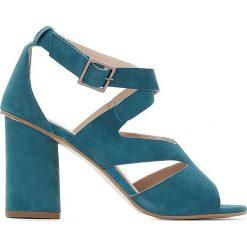 Rzymianki damskie: Sandały skórzane z asymetrycznym paskiem
