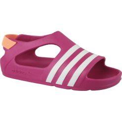 Sandały dziewczęce Adilette Play I różowe r. 23 (B25030). Czerwone sandały dziewczęce marki Adidas. Za 69,70 zł.