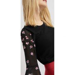 Swetry klasyczne damskie: Sweter z szyfonowymi rękawami