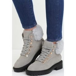 Szare Traperki Fancy Crazy. Czerwone buty zimowe damskie marki Reserved, na niskim obcasie. Za 99,99 zł.