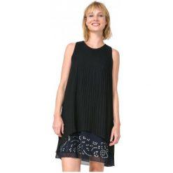 Desigual Sukienka Damska Besalú 44 Czarny. Czarne sukienki marki Desigual. W wyprzedaży za 299,00 zł.