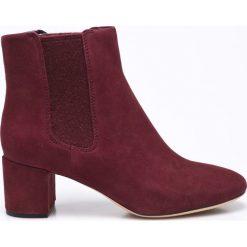 Clarks - Botki Orabella. Czarne buty zimowe damskie marki Clarks, z materiału. W wyprzedaży za 269,90 zł.
